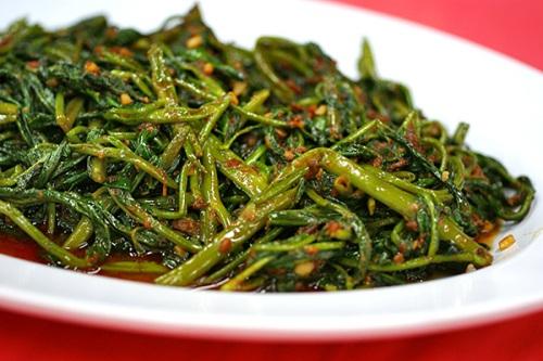 Stirfried kangkong with sambal