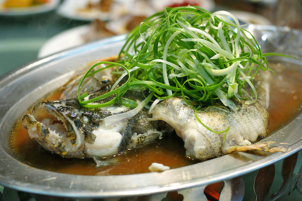 Steamed soon hock (marble goby)