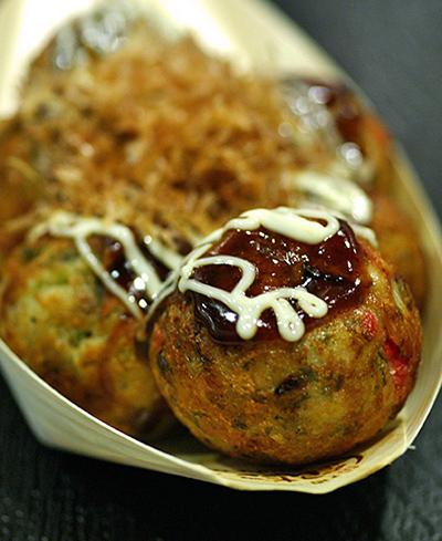 Takoyaki (fried octopus balls), 6 for S$4.80